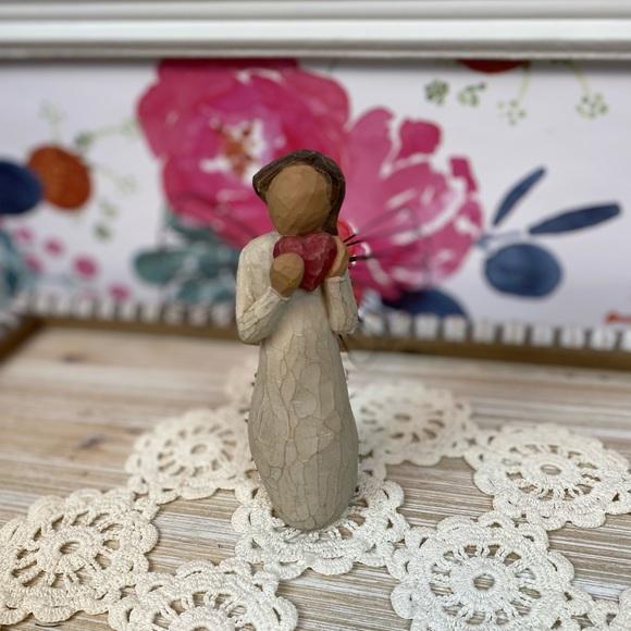 Willow Tree Angel of the Heart 2000 Figurine